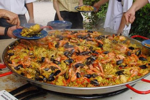 Massive paella by Marlborough Events